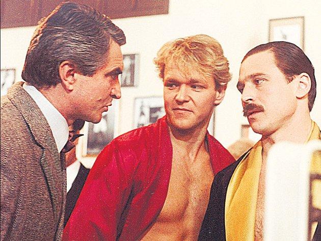 Josef Nedorost (vpravo) o sobě nedal dlouho slyšet. Teď se vrací v jednom z nejsledovanějších seriálů.