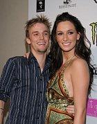 Zdá se, že v rodině Carterových se to talenty jen hemží. Nejstarší Nick byl v Backstreet Boys, mladší Aaron je také zpěvák a jeho dvojče Angela modelka. Další sestra žije mimo showbyznys a ještě jedna starší sestra zemřela v roce 2012.