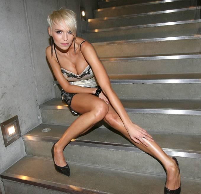 Modelka už se do vztahu vracet nechce, s Reindersem se kamarádí hlavně kvůli synovi.