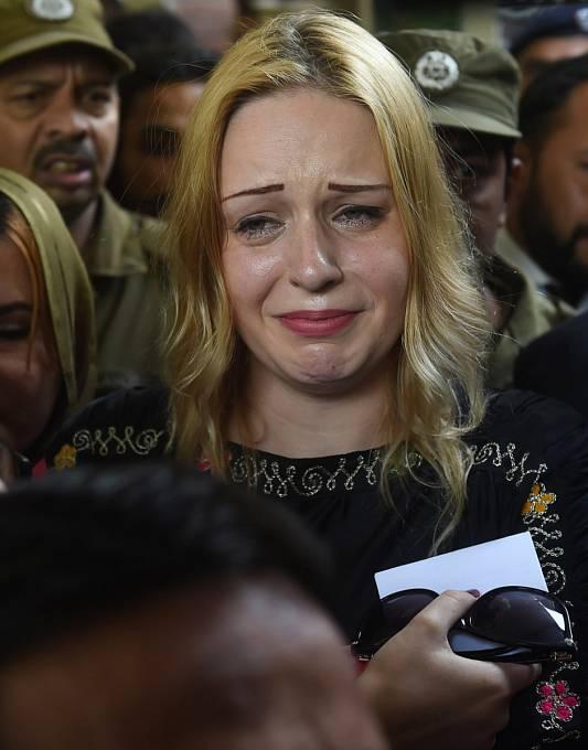"""""""Udělali jste ze mě obětního beránka a nespravedlivě mě odsoudili,"""" adresovala Hlůšková v dopise ostrá slova k pákistánským soudcům. Tereza říká, že jí drogy někdo do kufru narafičil a ona o ničem neměla ani tušení!"""
