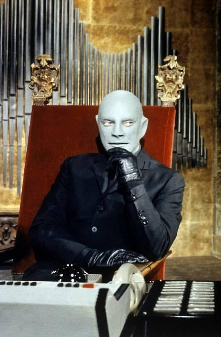 Marais se potil pod maskou Fantomase ve třech filmech.
