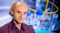 Jaroslav Flegr vysvětlil, jak fungují mutace koronaviru.