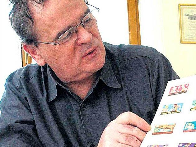 Antonín Parys si nejvíce váží tří etiket z mlékárny v Troubkách.
