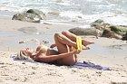 Mary Carey a její poněkud netradiční plážová svlíkačka.