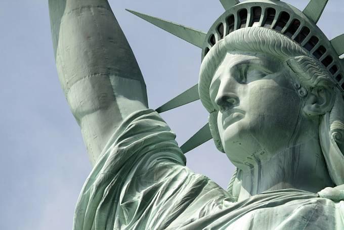 Nápis se svého času objevil také načelence sochy Svobody.