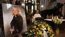 Eva Pilarová zemřela na selhání ledvin.