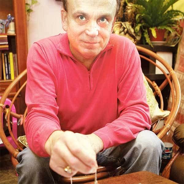 Psychotronik Stanislav Brázda tvrdí, že našel už několik pohřešovaných dětí a odhalil i pachatele trestných činů.