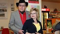 Slavné manželské páry se často navštěvují.
