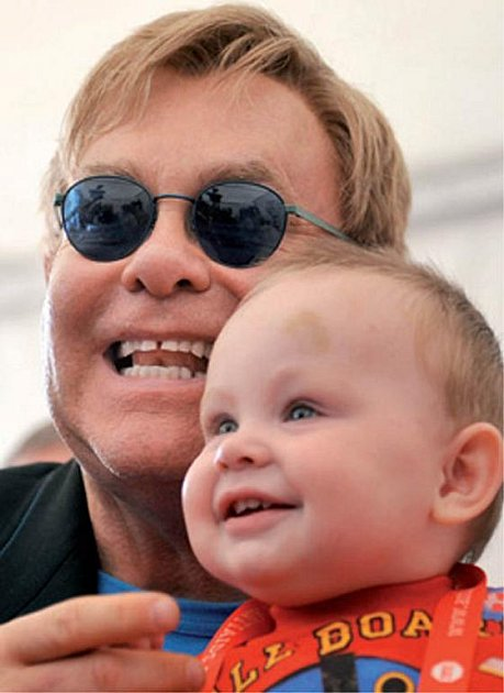 Elton John schlapečkem zUkrajiny