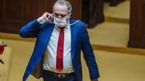 Václav Klaus mladší se otce nedávno zastal.