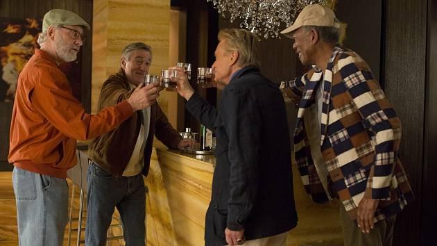 Partička pěkně pohromadě. Kevin Kline, Robert De Niro, Michael Douglas a Morgan Freeman.