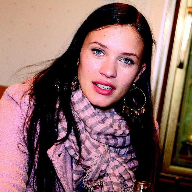 Leichtová nedávno přiznala, že ji jako dvanáctiletou znásilnili.
