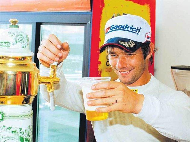 Pivo si Loeb také dá, ale přehánět to jistě nebude.
