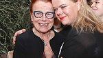 Se svou maminkou Ivou Janžurovou má krásný vztah.