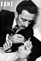 Když už opomeneme fakt, že pán, který maluje na čelo je Dalí, nikoli Picasso...