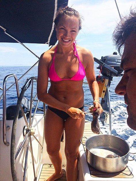 Kamila Nývltová ukázala vysportované tělo.