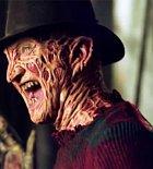Freddy Krueger, lstivý vrah, který zabíjí ze snu. Poté, co v minulosti zabil 20 dětí ho zavraždili rodiče oněch dítek. Je krutý a nezaslouží si naprosto žádné slitování.