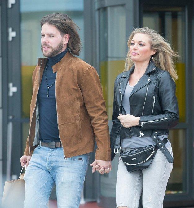Lucie Borhyová si soukromí chrání, ale ví se, že již několik let randí s Michalem Smečkou.
