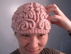 Pokud máte pocit, že soused nemá mozek, věnujte mu ho.