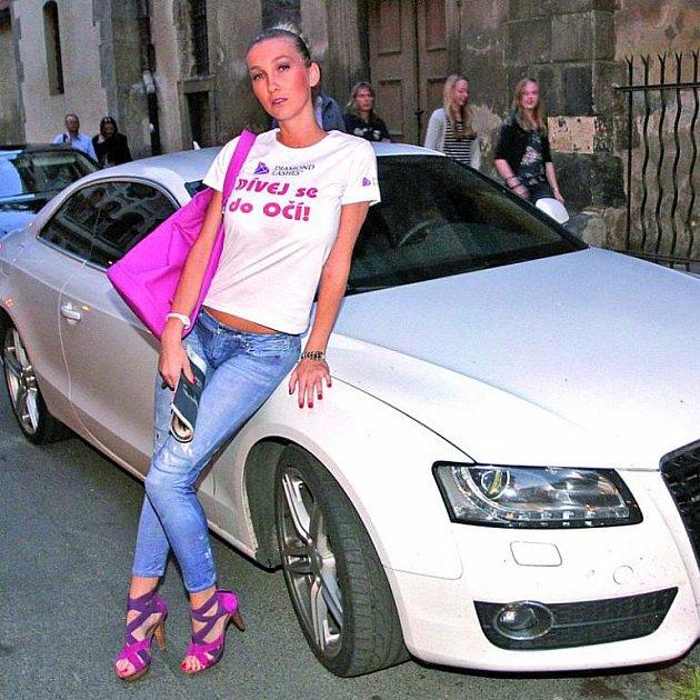 Modelka tvrdí, že za nehodu nemůže.
