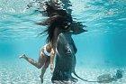 Plavat nahá ji přijde naprosto přirozené.