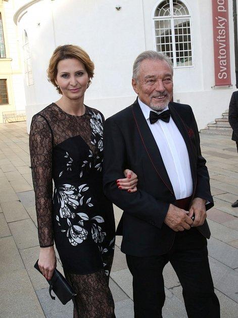 Ivana se již před pár lety stala jedinou jednatelkou a majitelkou společnosti Karel Gott Agency. Pro vdovu to aktuálně znamená hlavně jednu obří starost.