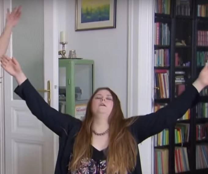 Téměř ihned po osvobození požádala o možnost koupit dům, ve  kterém byla vězněna. To nemá nic společného se Stockholmským syndromem, jen nechtěla, aby se z domu stala atrakce senzacechtivých lidí.