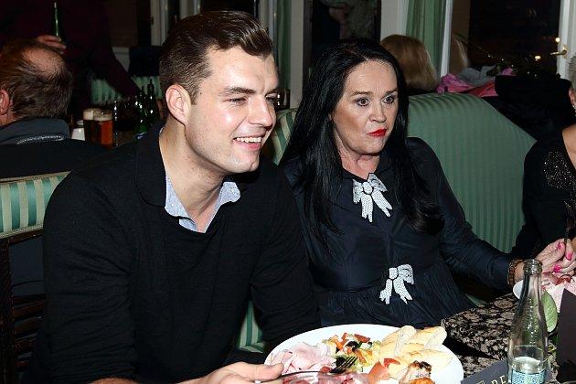 Hana Gregorová a Ondřej Koptík ve společnosti