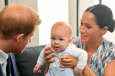 Meghan a Harry s malým Archiem