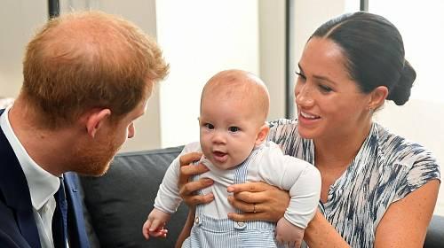 Princ Harry a Meghan Markle se synem Archiem