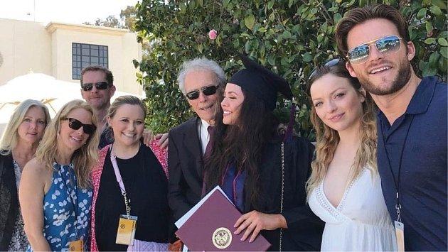 Clint Eastwood s rodinou.