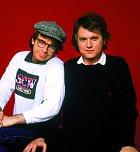 Vroce 1983 skamarádem Davem Thomasem. Spolu nejen hráli, ale také psali scénáře.