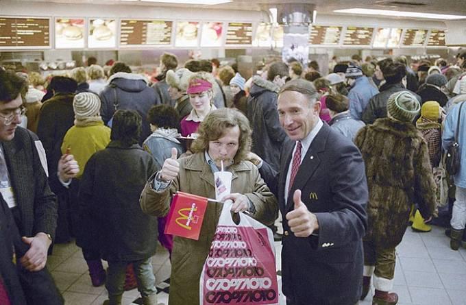 Dnes v Rusku nalezneme 649 restaurací McDonald's