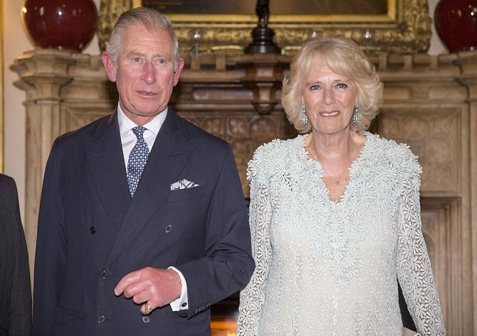 Princ Charles je přímým následníkem trůnu.