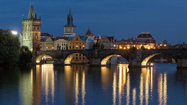 Ať je léto, nebo zima, Praha stále láká turisty nejvíc.