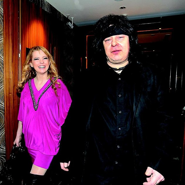 Docházku na psychiatrii zpěvačce nařídil manažer Richard Dušák.