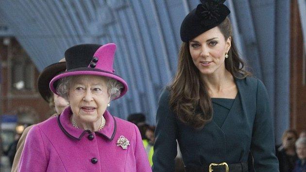 Kate to s Alžbětou už docela umí.