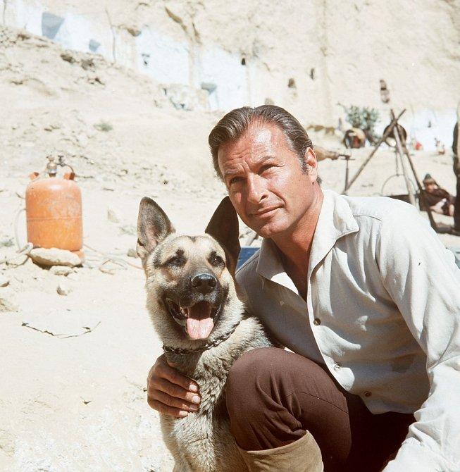 Jako Kara ben Nemsí vefilmu Divokým Kurdistánem (1965)
