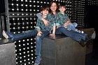 Filip Antonio s maminkou a bráchou Viktorem