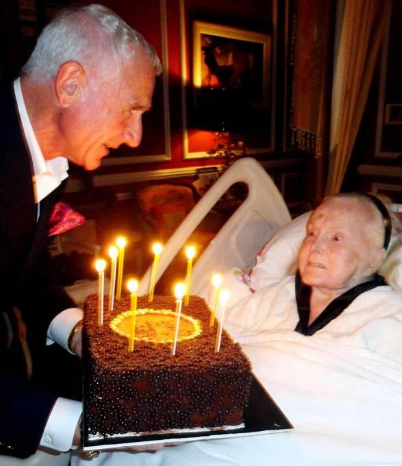 Takhle Zsa Zsa slavila sFrédérikem narozeniny vroce 2012.