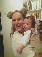 Monika Absolonová se synem Tadeášem na snímku, který dnes uveřejnila na sociální síti.