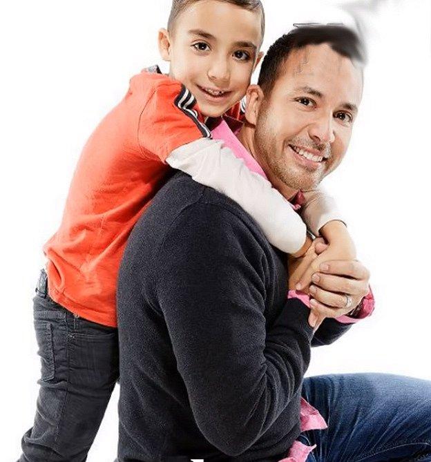 Poté, co v roce 1999 zemřela jeho milovaná sestra na lupus, rozhodl se s touto nemocí bojovat a má vlastní charitativní organizaci. V roce 2007 si vzal svou dlouholetou přítelkyni Leigh při katolickém obřadu a mají spolu dvě děti.
