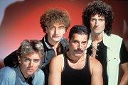 Skupina Queen v80. letech. Zleva: Roger Taylor, John Deacon, Freddie Mercury aBrian May.