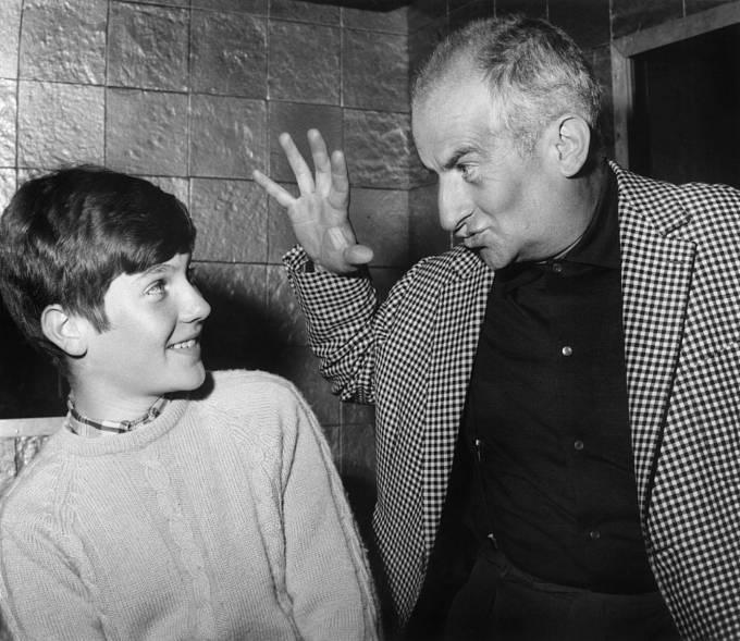 Se synem Olivierem naturné kfilmu Fantomas se zlobí (1965).