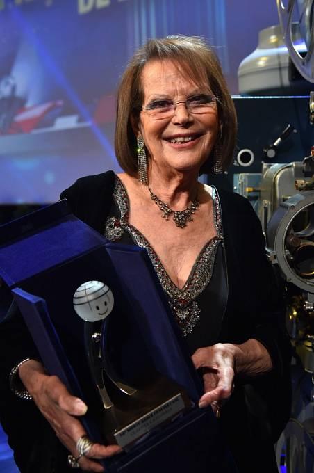 Populární hvězda s monogramem CC v březnu na festivalu v Monte Carlu.