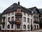 Hotel zroku 1899 veSchwarzwaldu byl Eddiho velkou láskou. Nakonec oněj přišel.
