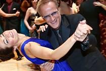 Jana si tanec po boku Highlandera očividně užívala.