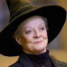 Minerva McGonagall, ředitelka koleje Nebelvír.