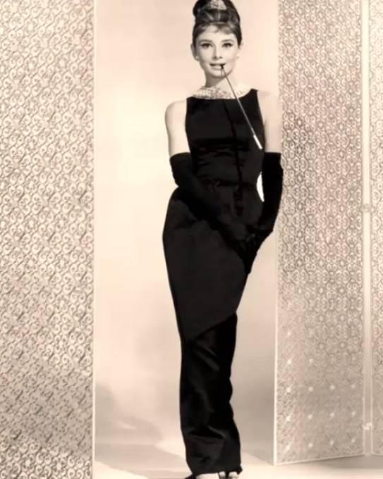 Uhádli jste správně Audrey Hepburn ve filmu Snídaně u Tiffanyho?