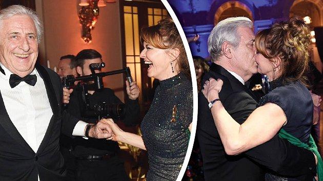 Manželé Heřmánkovi na plese Prahy 1 ukázali, že se stále milují.